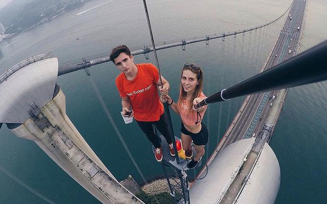Số người chết vì chụp ảnh selfie còn nhiều hơn số trường hợp tử vong do cá mập