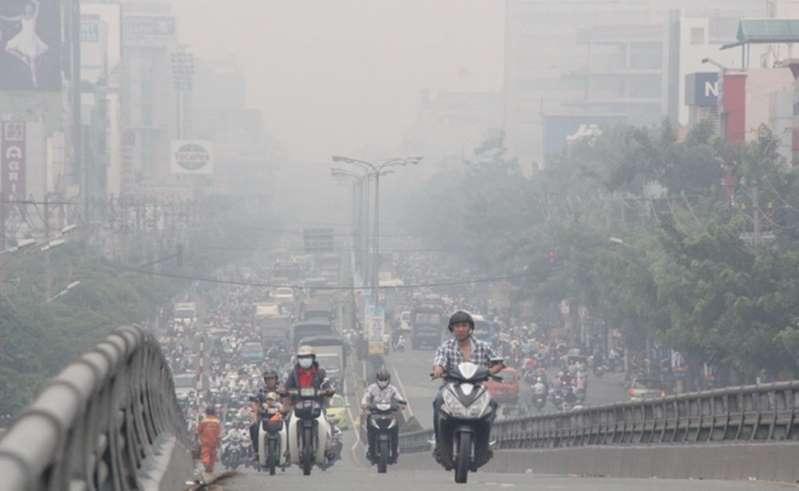 Nồng độ ô nhiễm trong không khí ở Hà Nội tăng cao. (Ảnh qua vtc)