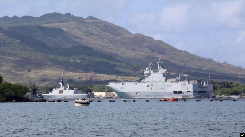 Tàu hải quân Pháp tham gia tập trận chung với Mỹ, Anh, Nhật ở căn cứ hải quân Guam hồi năm 2017. (Ảnh qua VOA)