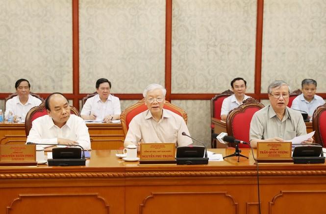 Tổng Bí thư, Chủ tịch nước Nguyễn Phú Trọng chủ trì một cuộc họp của Bộ Chính trị.
