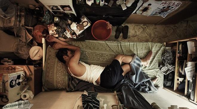 Thậm chí không thể duỗi thẳng người khi ngủ vì quá chật.
