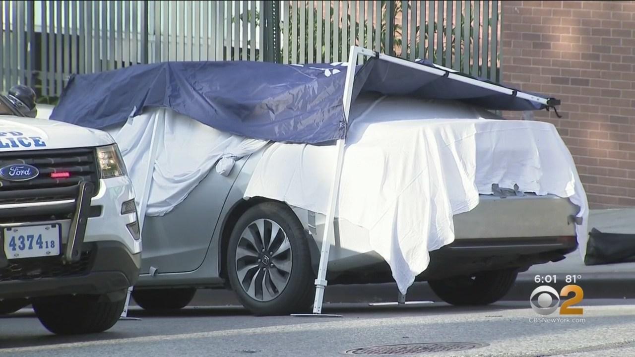 Chiếc xe của anh Juan nơi 2 bé song sinh tử vong.