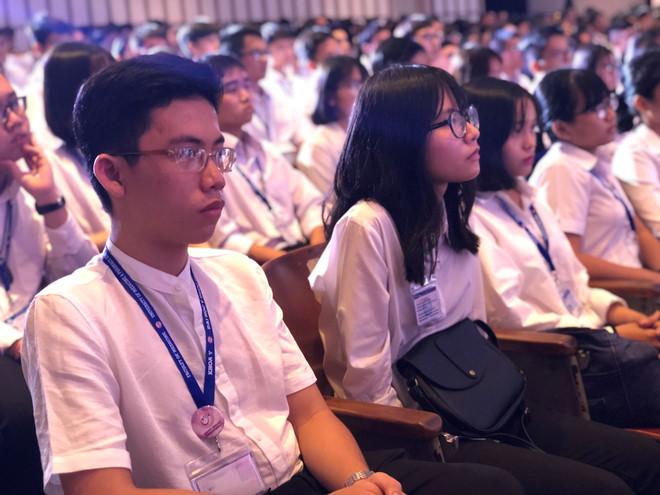 Tân sinh viên ngành y khoa trong lễ khai giảng. (Ảnh qua thanhnien)