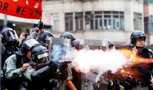 Cảnh sát Hồng Kông tuyên bố sẽ dùng đạn thật đối phó người biểu tình