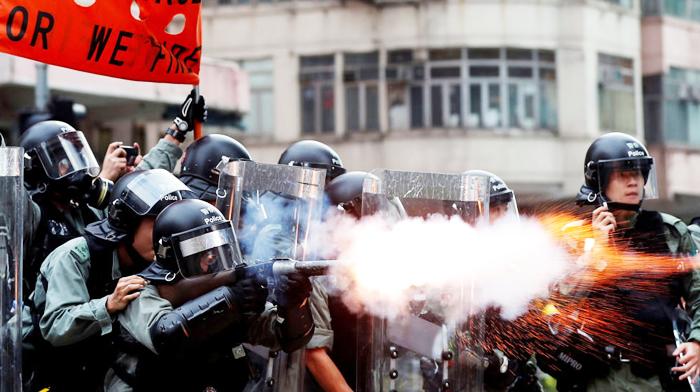 Từ khi diễn ra hoạt động phản đối dự luật dẫn độ đến nay, cảnh sát Hồng Kông vẫn bị nghi ngờ là đã lạm dụng bạo lực.
