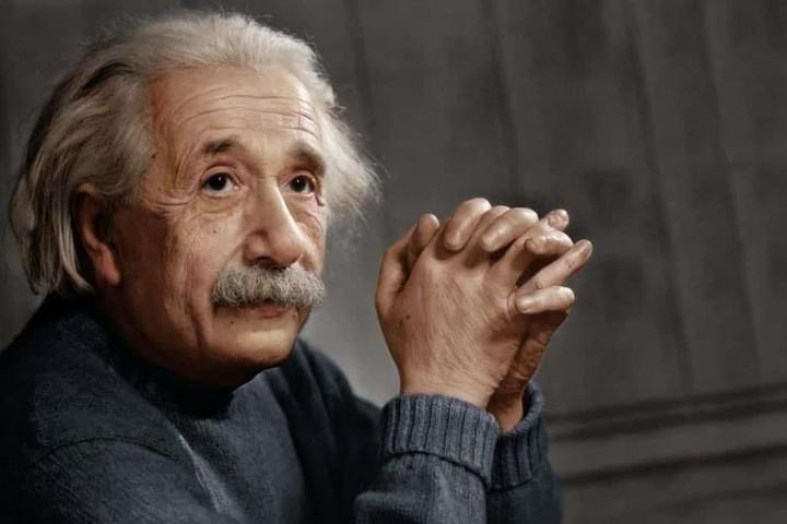 """Albert Einstein từng nói: """"Tư duy trực giác là một món quà thiêng liêng..."""" (Ảnh qua Telegrafi)"""