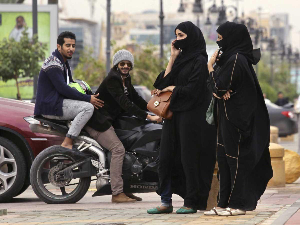 Đừng trêu ghẹo, đùa giỡn với phụ nữ Hồi giáo