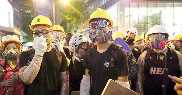 Người biểu tình Hong Kong: Dù rực rỡ hay lụi tàn, Hong Kong vẫn sẽ là quê hương