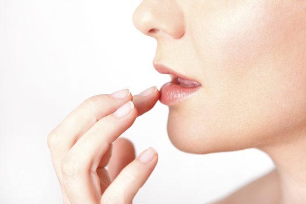 10 điều về đôi môi tiết lộ tình trạng sức khỏe của bạn - ảnh 7
