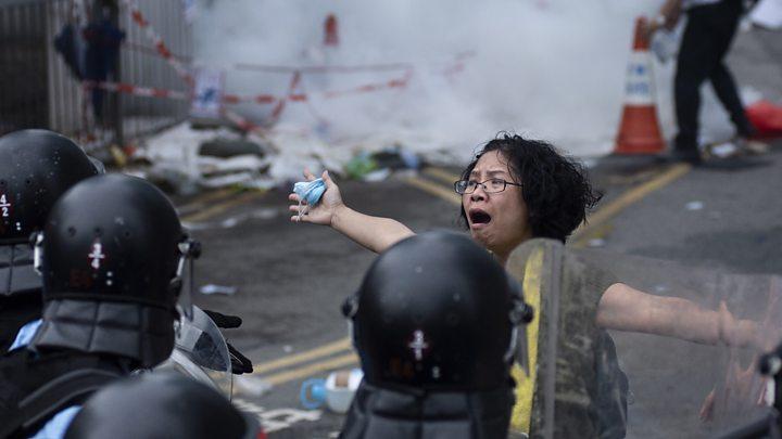 Biểu tình Hồng Kông: Cuộc chiến Chính - Tà