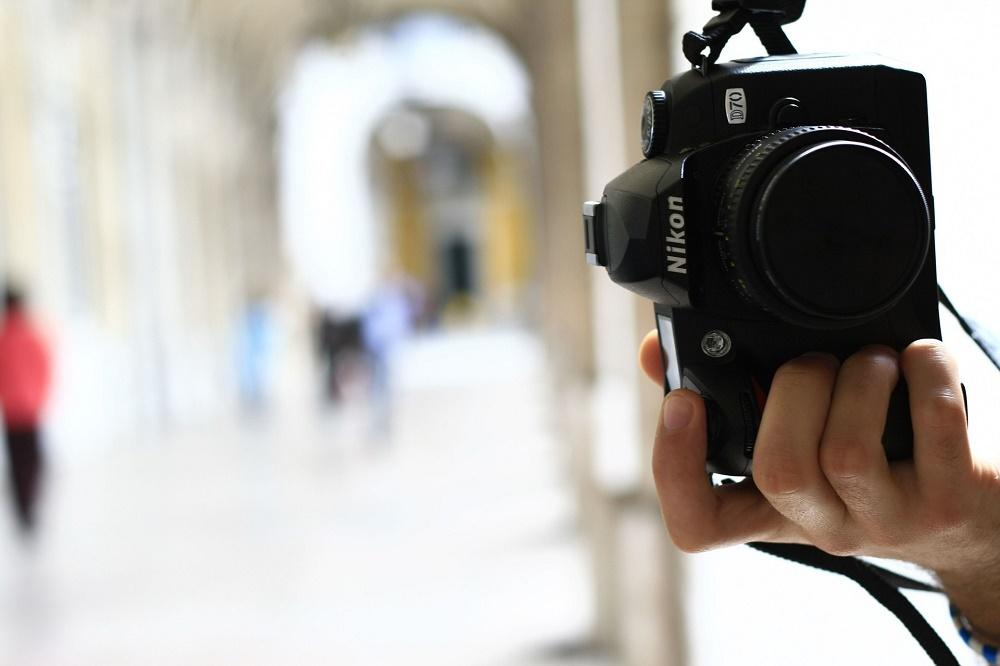 Khi chụp ảnh tại Dubai, du khách nên tập trung ống kính vào các địa điểm du lịch và phong cảnh thay vì con người.