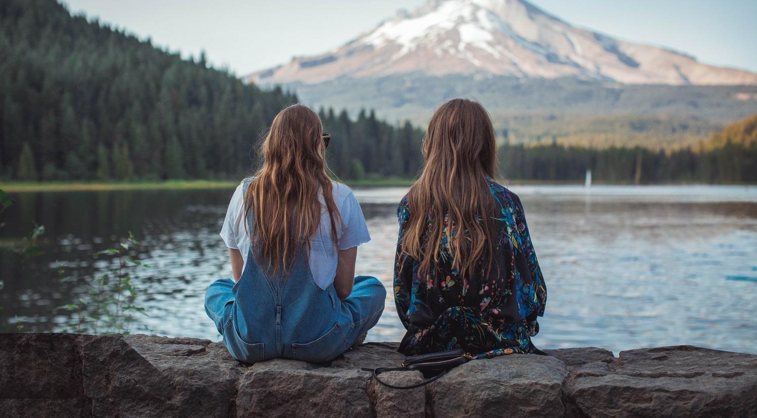 Nghiên cứu cho thấy càng có nhiều bạn tốt thì càng khỏe mạnh