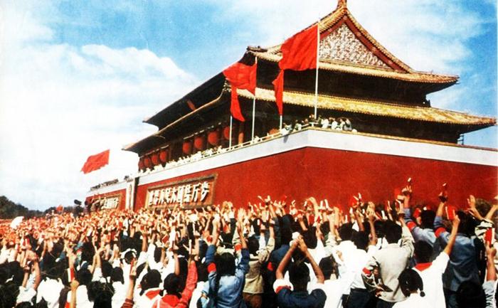 Trong các cuộc vận động chính trị tại Trung Quốc thì kích động thù hận trong quần chúng là một phương thức thường được sử dụng.