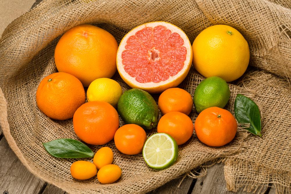 Thường ăn các loại trái cây có múi thuộc họ cam quýt cũng có tác dụng ngăn chặn chứng hôi miệng.
