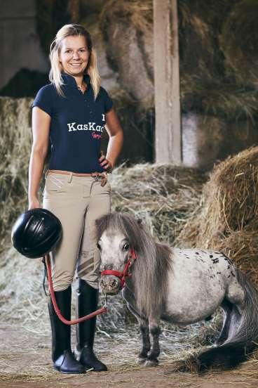 Bombel (Ba Lan) – chú ngựa nhỏ nhất thế giới, có chiều dài 56,7cm.