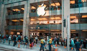Người dân thế giới xếp hàng mua iPhone 11
