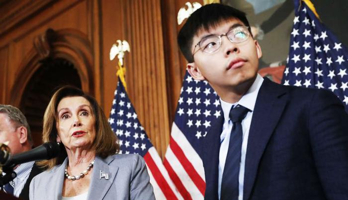 Chủ tịch Hạ viện Mỹ, bà Nancy Pelosi phát biểu ủng hộ dự luật mà Hoàng Chi Phong kêu gọi.