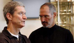 Steve Jobs đã truyền ngôi cho kẻ thuộc nhóm người mình khinh ghét nhất