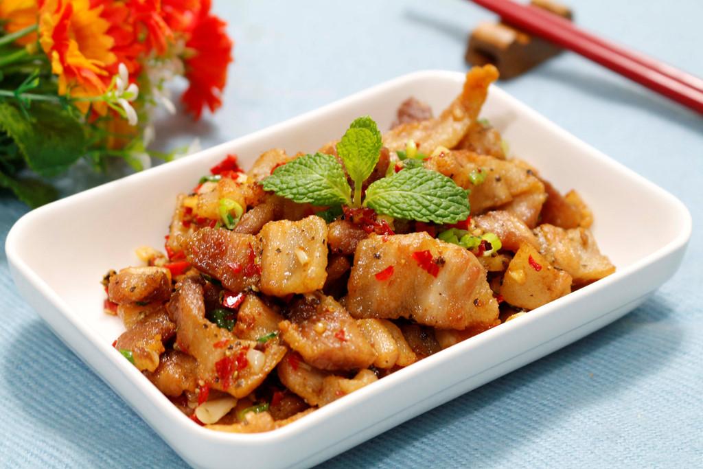 Tóp mỡ được dùng làm thành món ăn rất ngon.