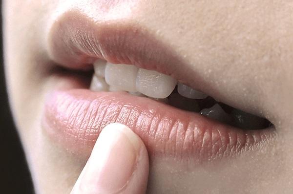 10 điều về đôi môi tiết lộ tình trạng sức khỏe của bạn - ảnh 9