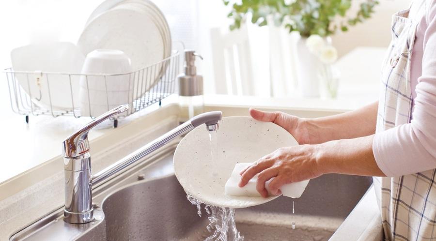 Nghiên cứu cho biết rửa chén giúp giảm căng thẳng