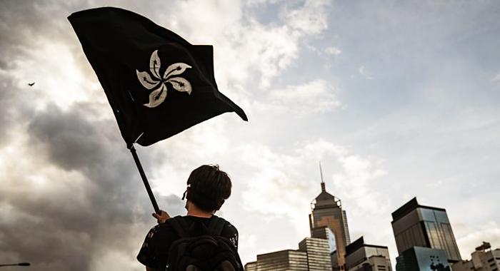"""Cuộc biểu tình phản đối """"Luật dẫn độ"""" đã kéo dài gần ba tháng, thể hiện rõ nét sự bất mãn của người Hồng Kông đối với ĐCSTQ"""