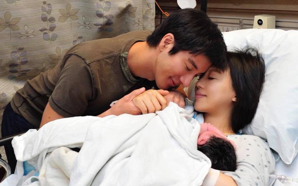 Vương Lực Hoành hạnh phúc khi vợ sinh thêm bé thứ 3