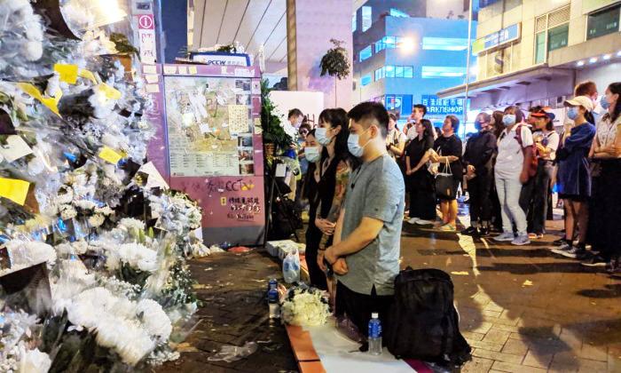 Có một nhà ngoại cảm đã nói với phóng viên rằng bà nhìn thấy ở trong nhà ga có vong hồn 3 người đàn ông mặc áo đen, có một người khóc đến không thành tiếng.