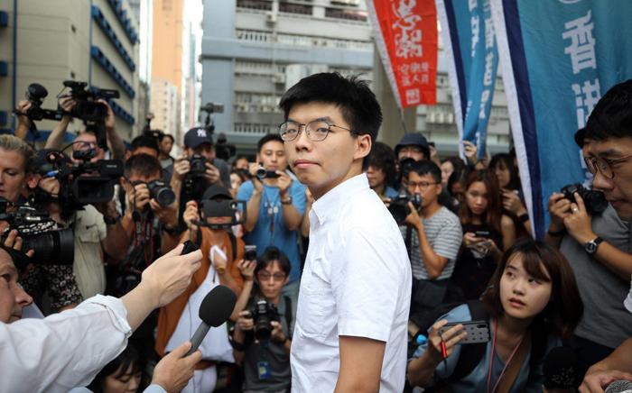 Trong suy nghĩ về tương lai của Lý Gia Thành, những thanh niên Hồng Kông dám đứng lên phản đối ĐCSTQ này lại là những chủ nhân của tương lai.