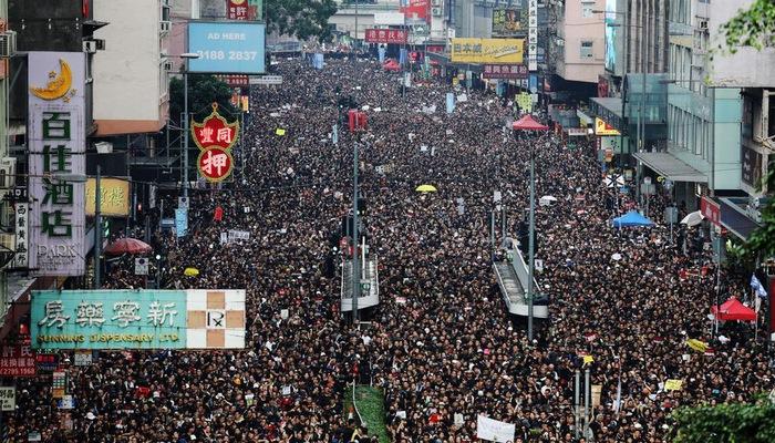 Biển người biểu tình trên đường phố Hồng Kông ngày 16/6.