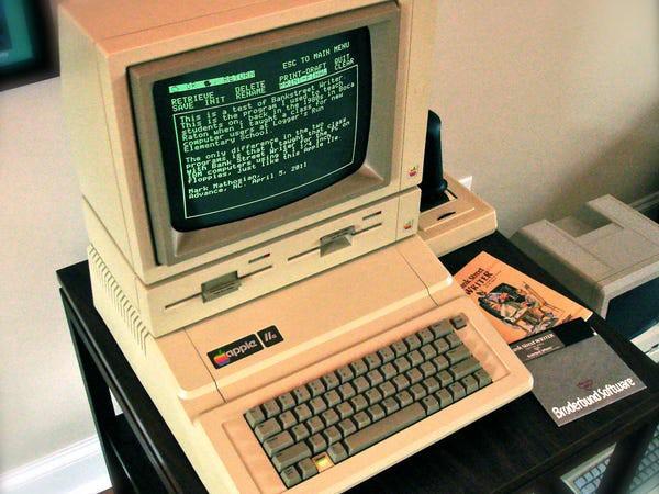 """12 quả """"bom xịt"""" để đời của Apple - apple III"""