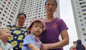 Hà Nội: Người dân bị tiêu chảy, bệnh ngoài da nghi do dùng nước máy nhiễm dầu
