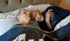Cặp đôi hạnh phúc suốt 70 năm: Yêu nhau từ ngày đầu tiên, ra đi trong cùng 1 ngày