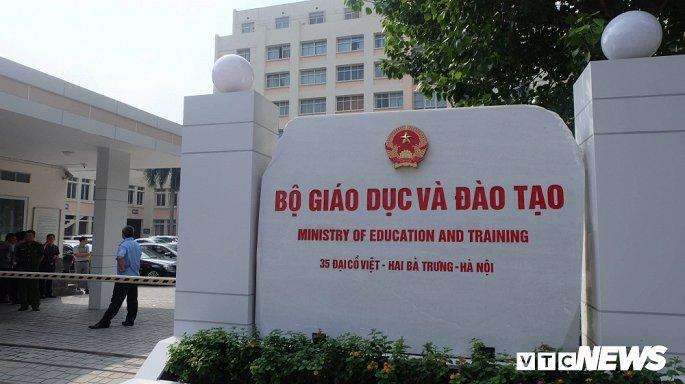 Trụ sở Bộ GD&ĐT sáng 17/10, nơi xảy ra cái chết thương tâm của Thứ trưởng Lê Hải An.