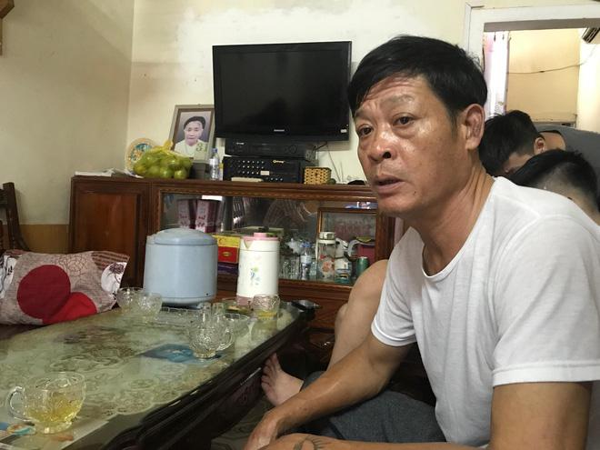 Ông Phạm Văn Thìn (bố em Phạm Thị Trà My) đã làm đơn lên chính quyền nghi con gái là nạn nhân đã chết trong số 39 người ở Anh.