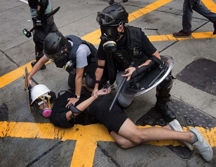 Vào mỗi lúc tình hình Hồng Kông có chút hòa hoãn thì lại có người gây ra sự việc bạo lực để làm rối loạn.