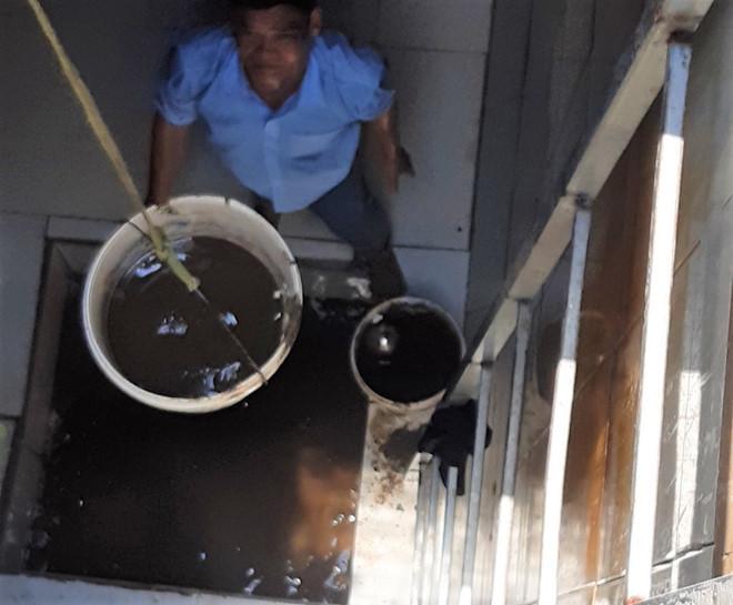 BQL chung cư tiến hành súc xả đường ống sớm hơn so với định kỳ.