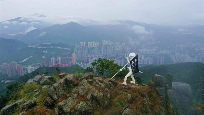 Bức tượng nữ thần là một trong những biểu tượng quan trọng của phong trào chống Dự luật Dẫn độ của người Hồng Kông theo đuổi dân chủ và tự do.