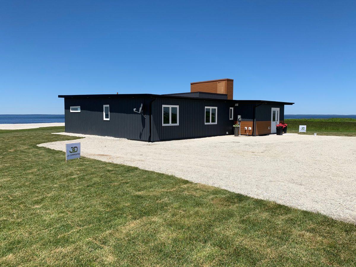 Ngôi nhà bằng nhựa ở tỉnh Nova Scotia, Canada. (Ảnh: JD Composites Inc.)
