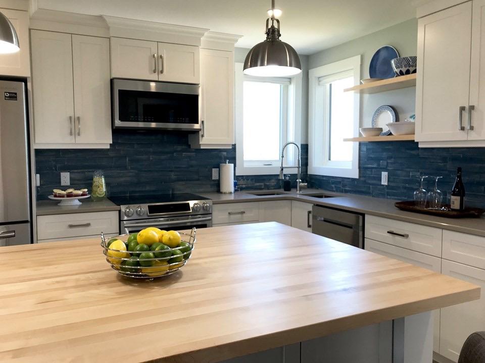 Nội thất của nhà bếp được thiết kế theo phong cách truyền thống. (Ảnh: JD Composites Inc.)