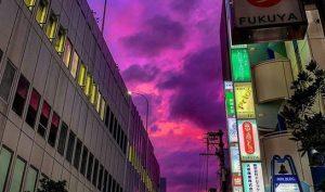 Nhật Bản: Siêu bão Hagibis tổng tấn công, bầu trời xuất hiện màu tím kỳ lạ