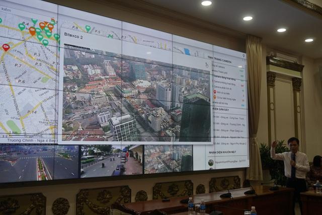 Trung tâm điều hành chỉ huy đô thị thông minh của TPHCM hiện đã tích hợp hơn 1.000 camera của Sở GTVT TP và một số quận.
