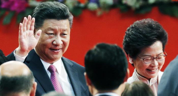 """Trung Quốc đang xem xét việc loại bỏ Trưởng Đặc khu Hồng Kông Lâm Trịnh Nguyệt Nga và thay thế bằng một lãnh đạo """"tạm thời"""""""