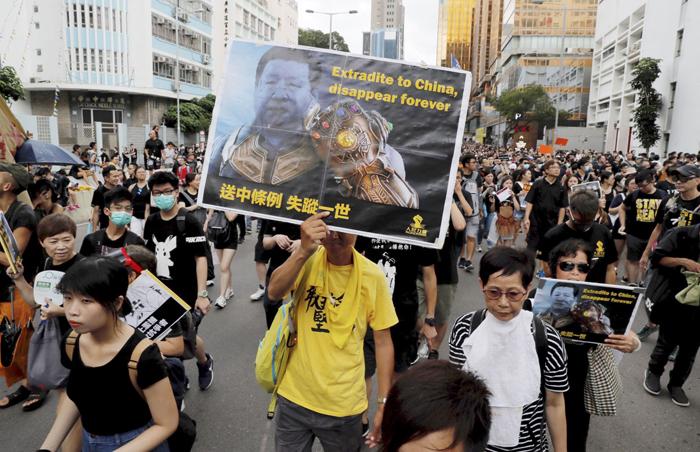 Người Hồng Kông tham gia phong trào phản đối dự luật dẫn độ.