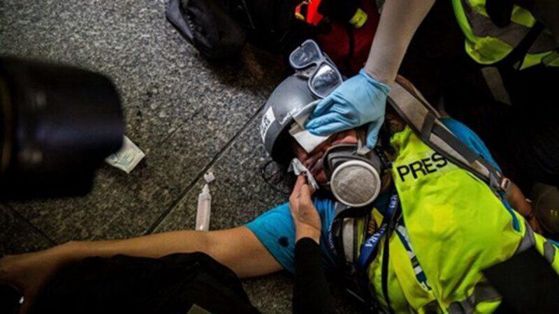 Ngày 29/9, nữ phóng viên người Indonesia Veby Mega Indah đã bị đạn cao su bắn trúng mắt phải và gây nên mù vĩnh viễn.