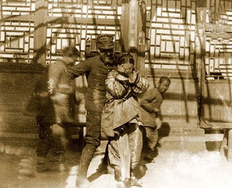 5 tổ chức tàn bạo nhất thế giới được chính quyền hậu thuẫn (Phần 1) - 23
