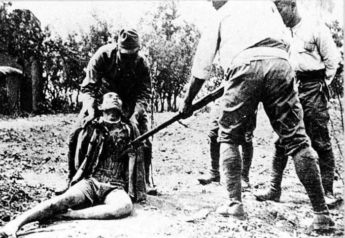 5 tổ chức tàn bạo nhất thế giới được chính quyền hậu thuẫn (Phần 1) - 31