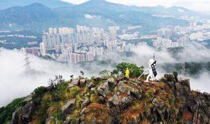 Hồng Kông: Tượng Nữ thần Dân chủ dựng trên núi Sư Tử để khích lệ phong trào đấu tranh