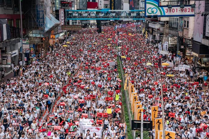 Hàng triệu người Hồng Không xuống đường biểu tình phản đối dư luật dẫn độ. (Ảnh: Getty Images)