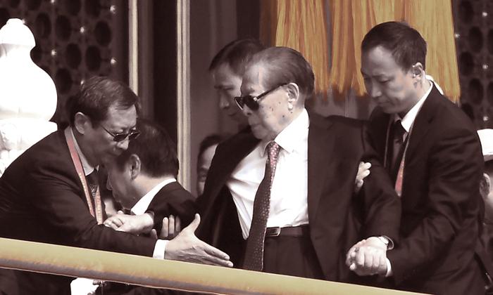 Ông Giang Trạch Dân năm nay 93 tuổi, xuất hiện tại lễ duyệt binh kỷ niệm 70 năm ĐCSTQ thành lập chính quyền. (Ảnh: Getty Images)